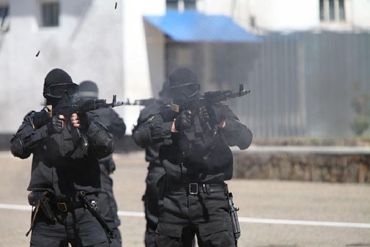 На улицах Назрани обнаружены вооруженные террористы