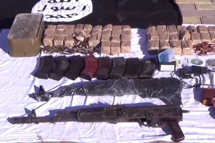 Сотрудники ФСБ изъяли целый арсенал оружия у террористов Фото: ЦОС ФСБ РФ