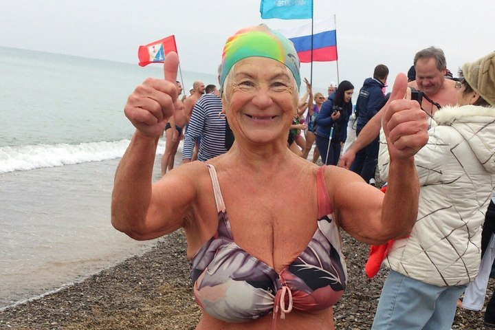 Раиса - морж с 75-летним стажем.