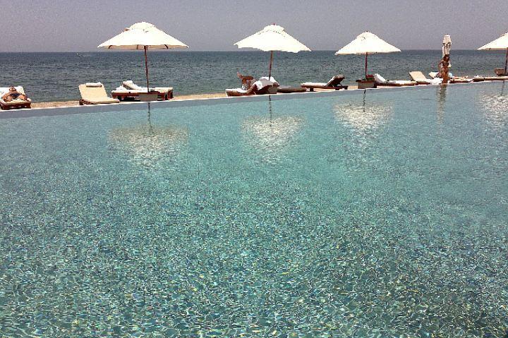 Чтобы провести зимние каникулы на теплом море, туристы летят в Таиланд и Гоа, Вьетнам и на Шри-Ланку...