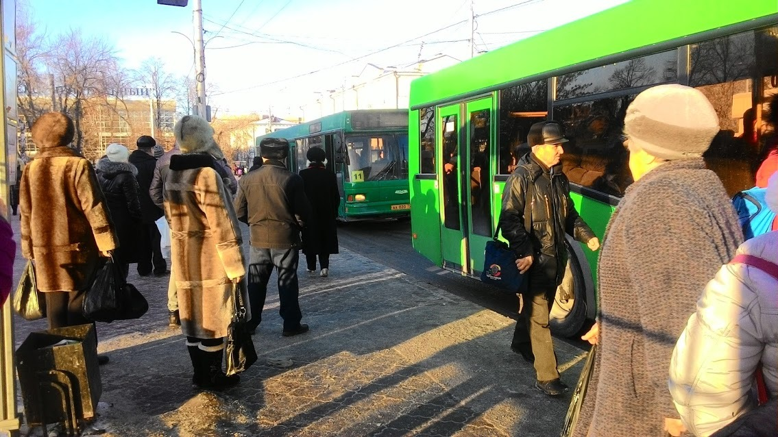 Тюменский общественник предлагает требовать билеты в общественном транспорте