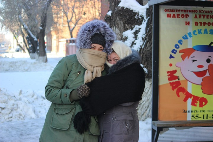 В целом по области среднемесячный уровень температуры был ниже многолетнего на три-четыре градуса.