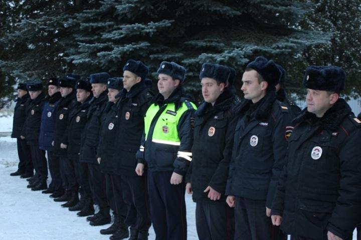 Неменее 100 новгородских полицейских направились вкомандировку наСеверный Кавказ