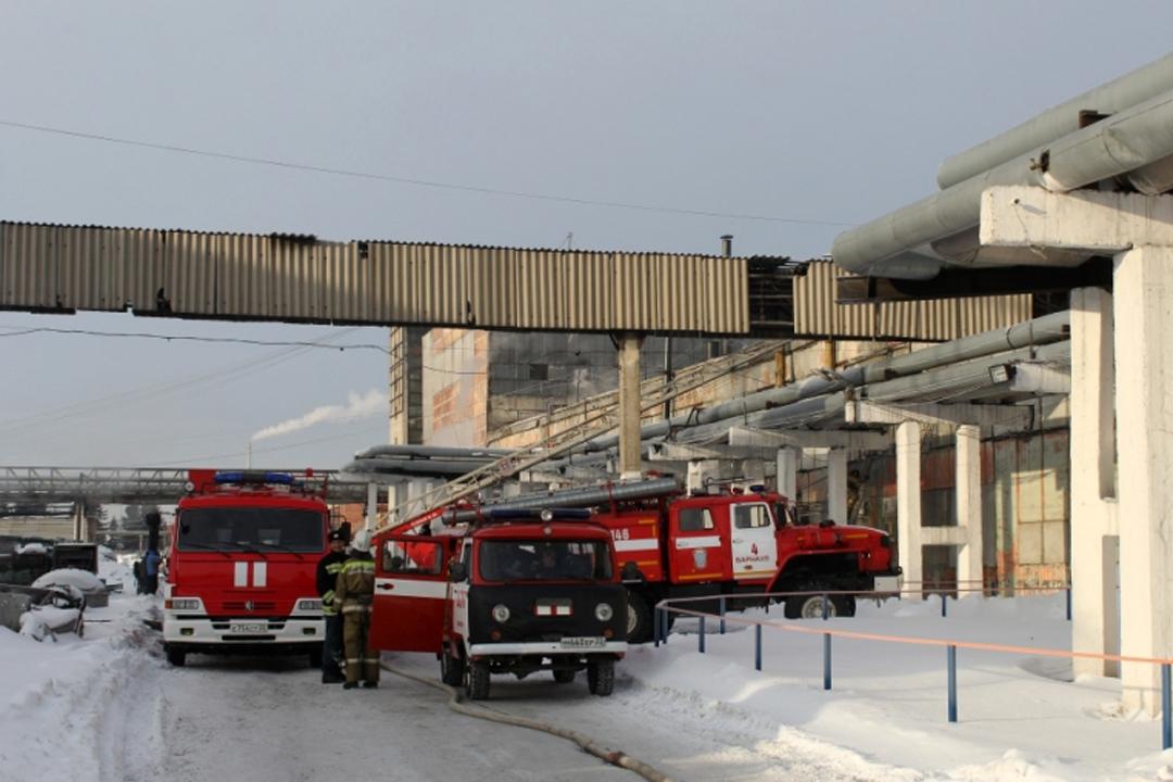 МЧС: Шинный комбинат горел вБарнауле, пострадавших нет