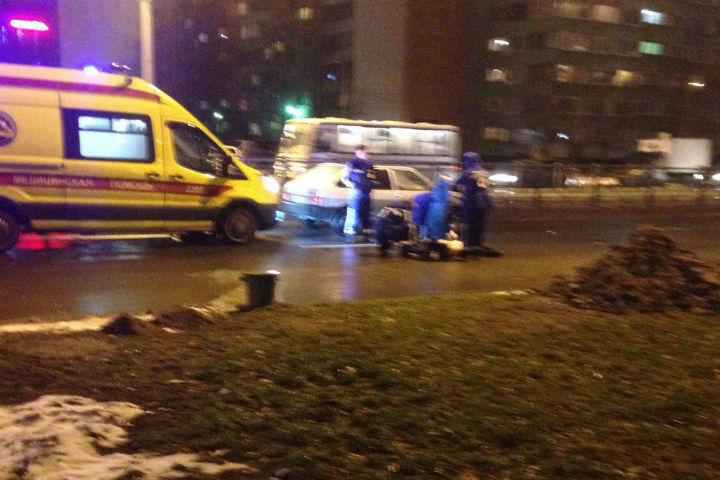 ВПетербурге из-за дорожно-траспортного происшествия перекрыто движение поМаршала Казакова