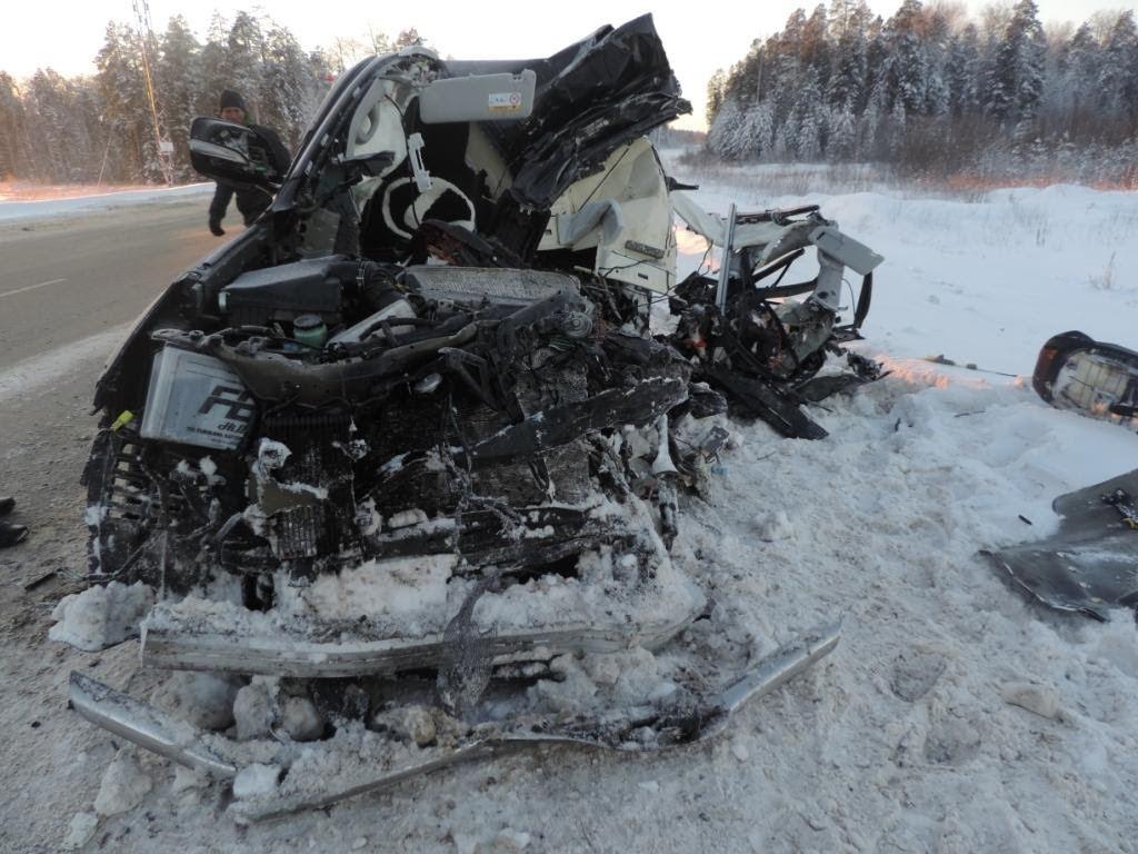 Сводка ДТП: вседорожный автомобиль протаранил фургон