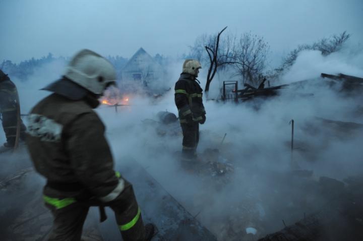 ВТомском районе впожаре вдеревянном доме погибла 8-летняя девочка