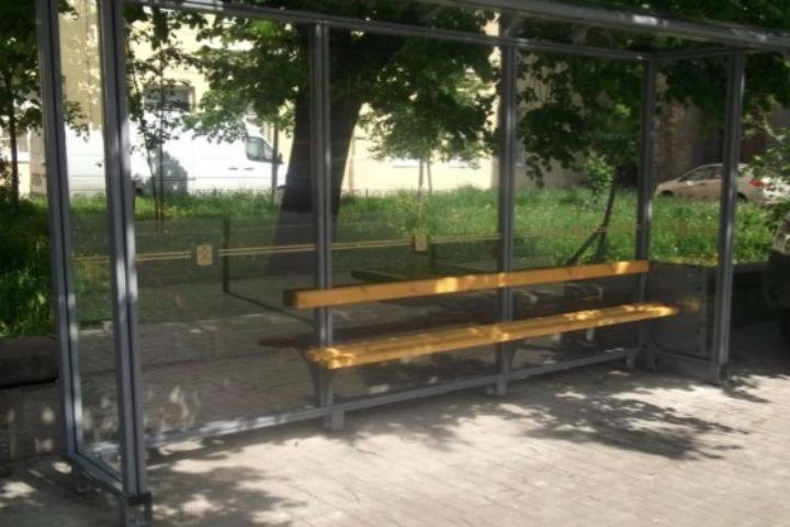 Петербург отказался от железных павильонов наостановках