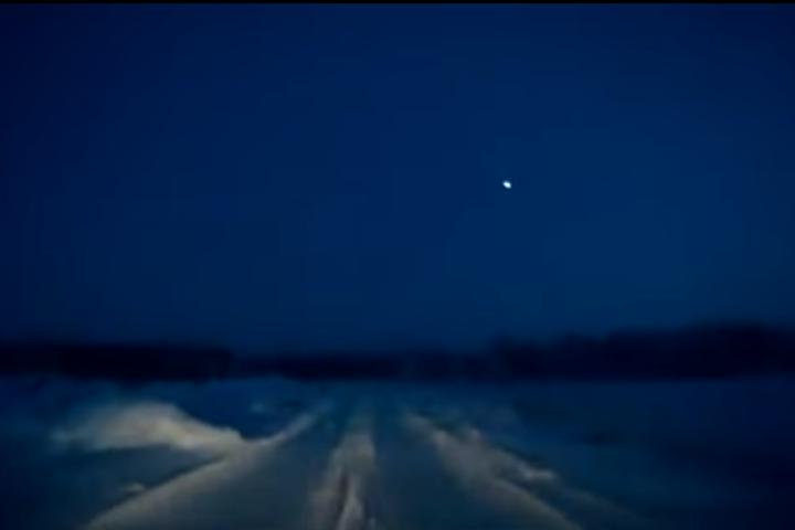 ВОмской области понебу пронесся яркий метеор