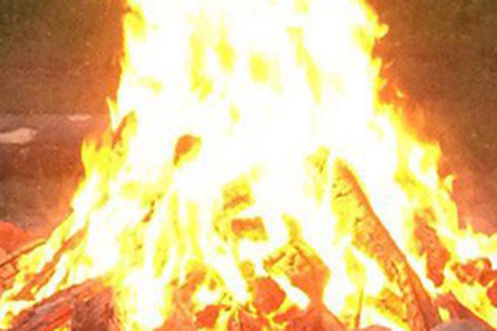 Шофёр фуры разогревал еду нагазовой горелке иполучил тяжелые ожоги