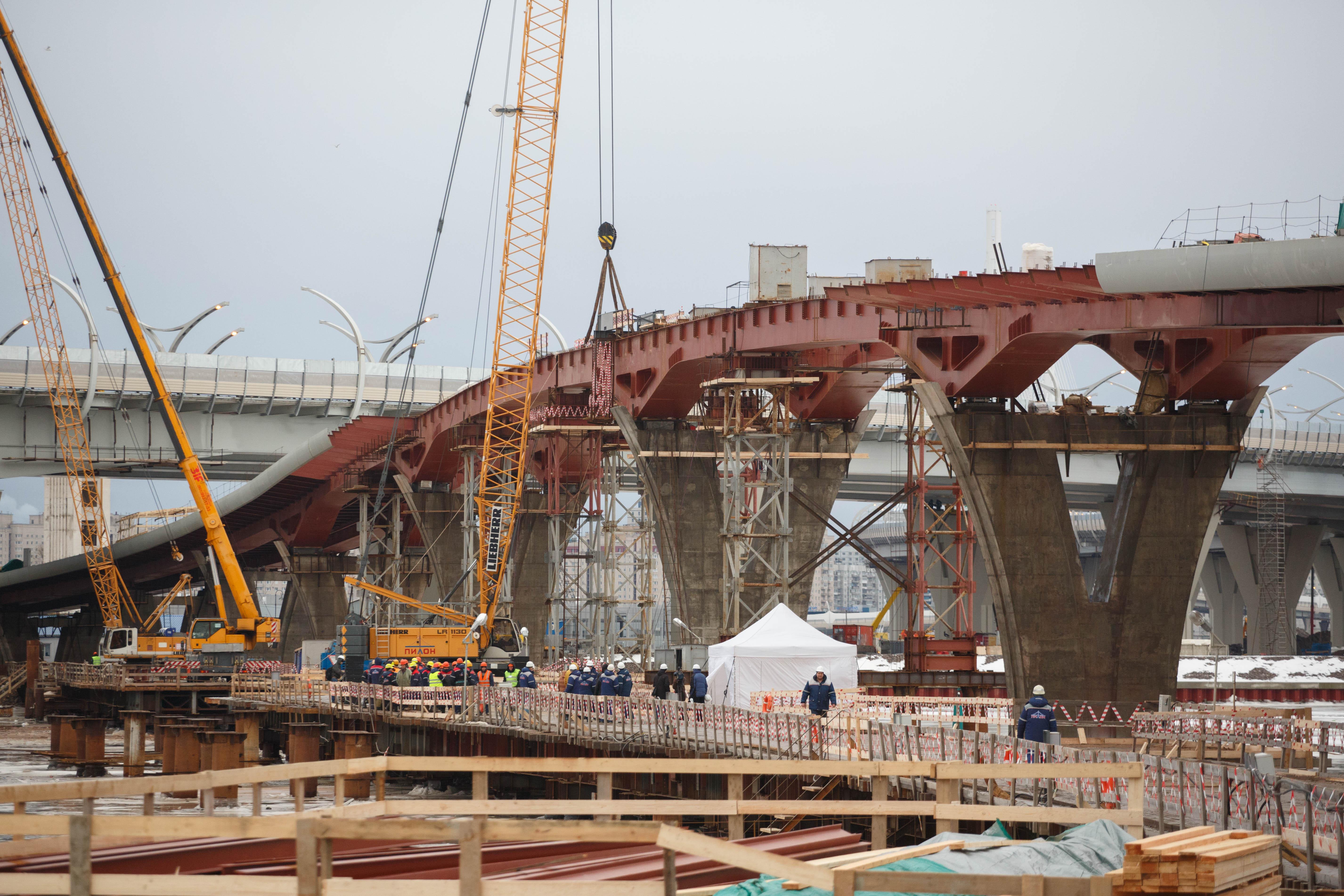 ВПетербурге сведут пролеты Яхтенного моста