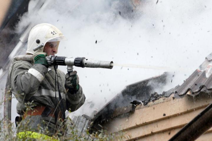 Мощный пожар назаводе тушили 75 огнеборцев
