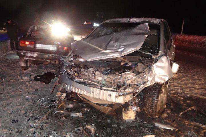 Жертвами ДТП натрассе вБашкирии стали два человека, семеро пострадали