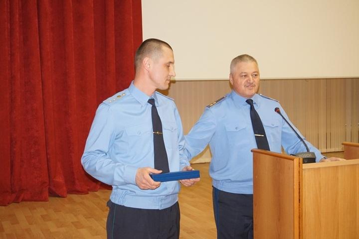 Приморский пограничник получил награду заспасение 7-ми  человек изпожара