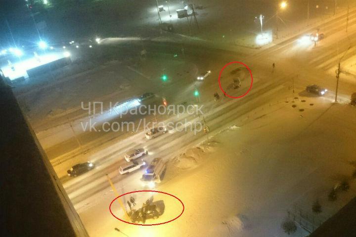 ВКрасноярске нетрезвый на Митсубиши устроил жесткое ДТП наперекрестке «Взлетки»