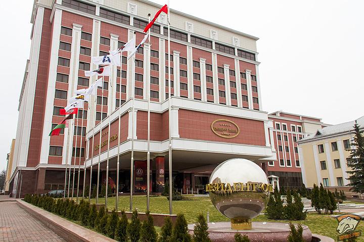Порошенко поручил провести совещание ТКГ из-за ситуации вАвдеевке