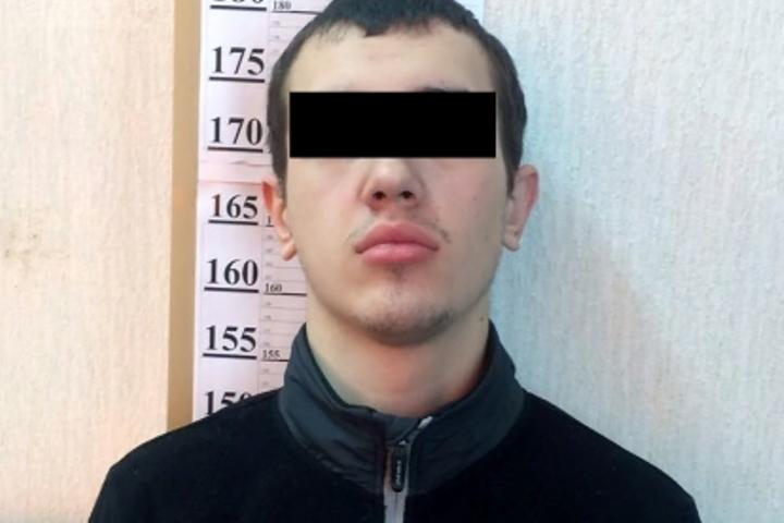 ВБратске девятнадцатилетний ученик напал состоловым ножом наработницу пекарни