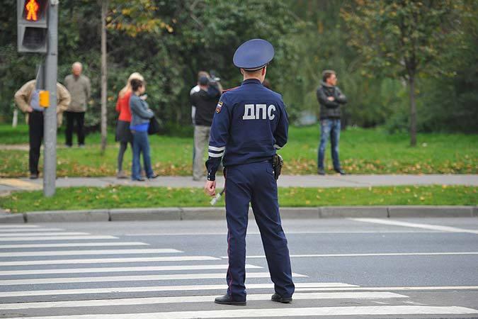 Астраханец ударил полицу полицейского, попытавшегося выписать ему штраф