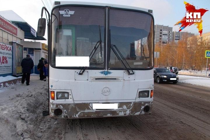 Наулице Московской вИжевске из-за потопа изменили маршруты местные автобусы