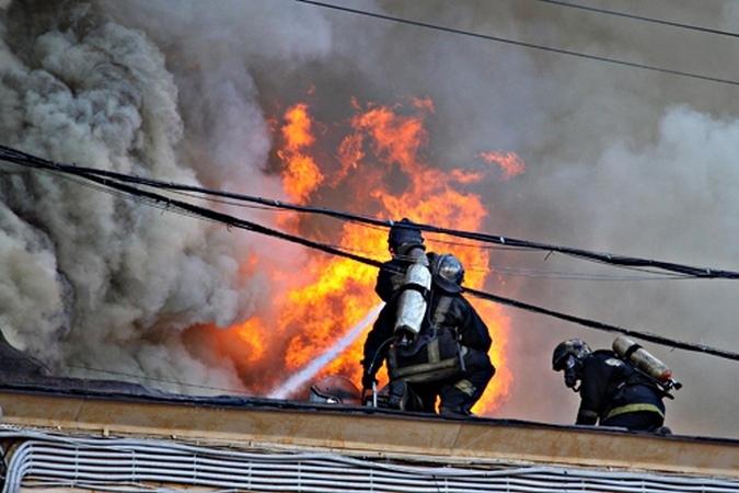 Двое детей попали в поликлинику после пожара вКолпино