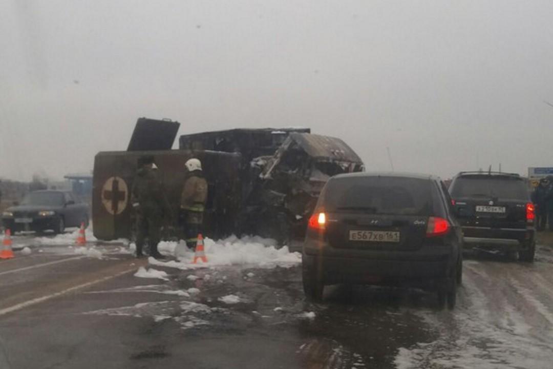 ВКрыму натрассе сгорели два грузового автомобиля