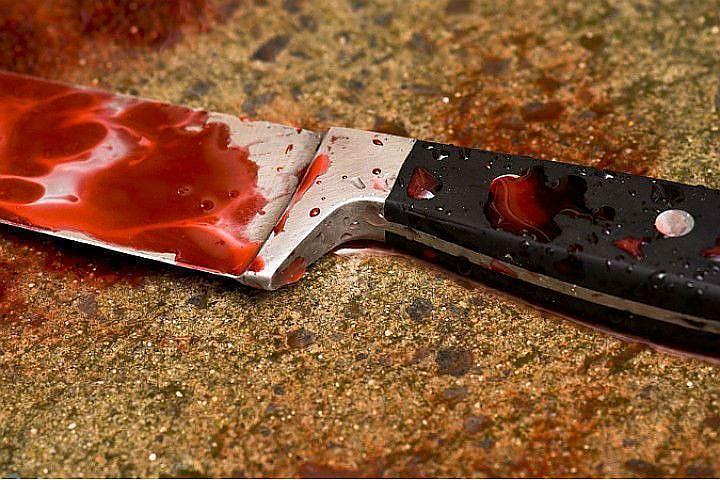 Вметро Петербурга ранили ножом вспину мужчины