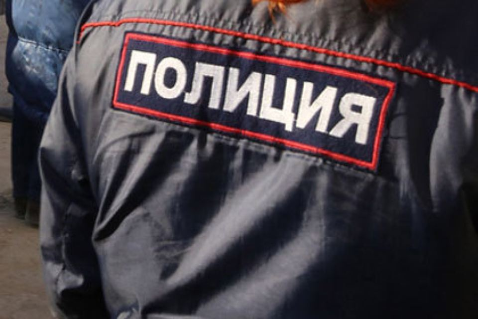 «Бомбила» наиномарке изнасиловал петербурженку иобокрал еена11 тыс.