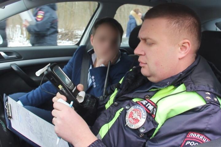 ВКалининграде задержали нетрезвого водителя иего приятеля спистолетом