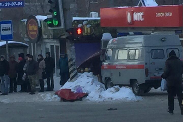 Труп умершей жительницы Саратова лежит наулице неменее 7 часов