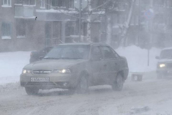 Синоптики иМЧС предупредили граждан ометелях с необычайным ветром
