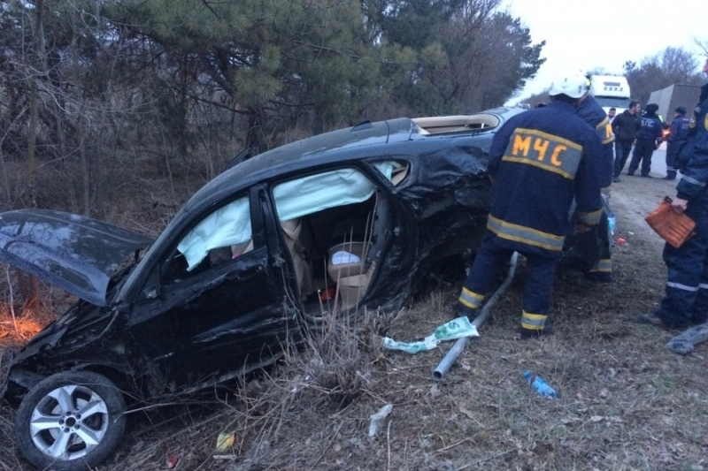 ВКрыму столкнулись 4 легковушки, цементовоз и грузовой автомобиль
