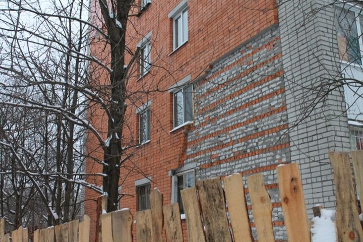 Активисты ОНФ помогают добиться ремонта аварийного многоквартирного дома вБрянске