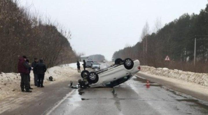 ВМарий Эл «Лада» врезалась вфуру, шофёр умер
