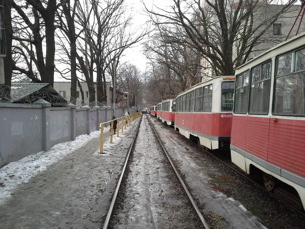 Утром вСаратове встали трамваи