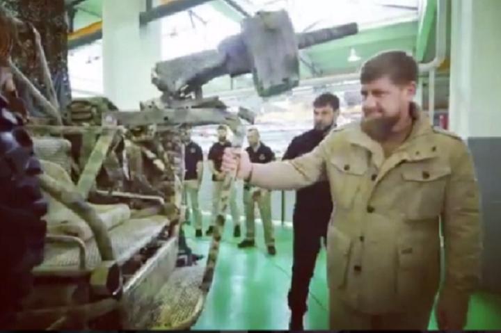 ВЧечне представлена обновленную модель трехместного багги для военных