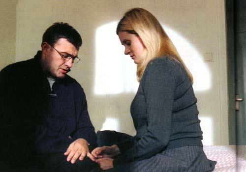 С исполнительницей главной роли в фильме «Связь» Анной Михалковой Пореченков дружит давно.