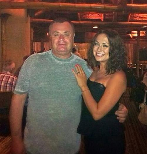 Отец Фриске с младшей дочкой Наташей Фото: Личная страничка героя публикации в соцсети