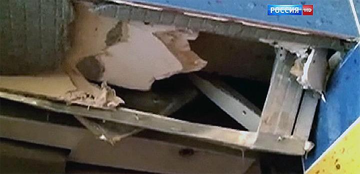 Разрушения в шахте лифта. Фото: ВЕСТИ.РУ