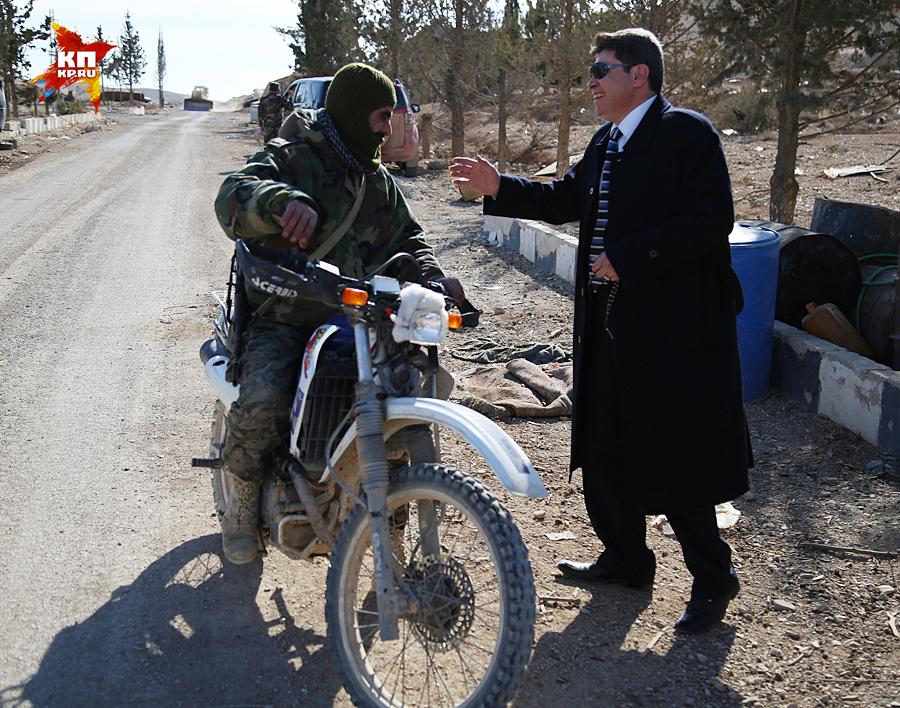 Слейман — нетипичный для Сирии мэр. Он - единственный на всю страну глава города, не входящий в правящую партию Баас Фото: Александр КОЦ, Дмитрий СТЕШИН