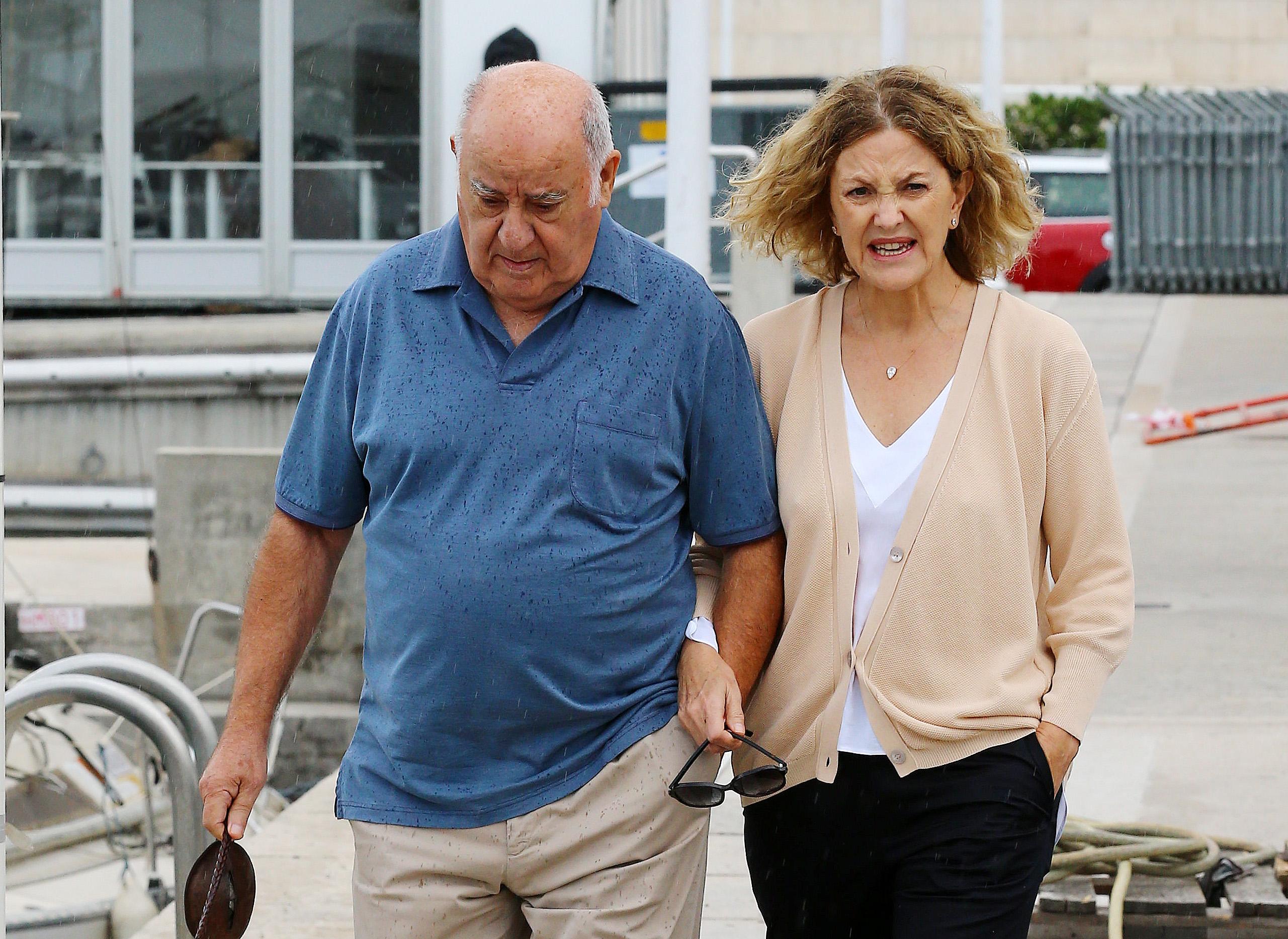 Амансио Ортега c супругой на отдыхе. Фото: SPLASH NEWS