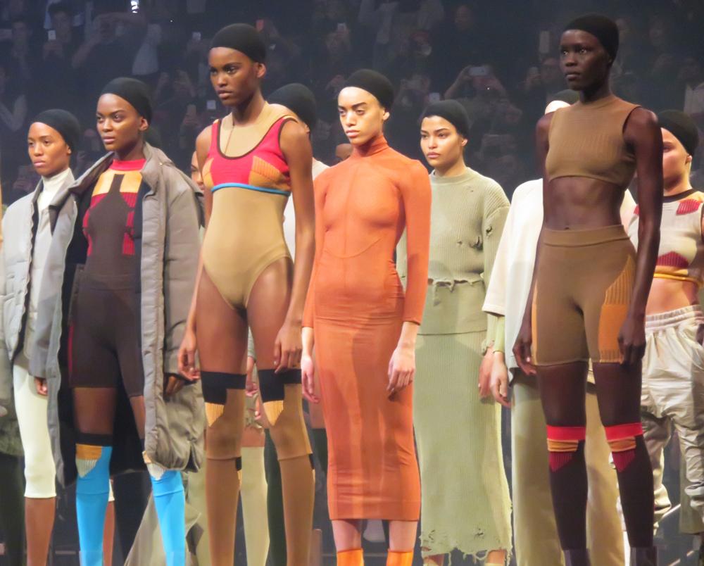 На этой неделе Канье представил собственную коллекцию одежды Kanye West Yeezy Season 3. Фото: SPLASH NEWS