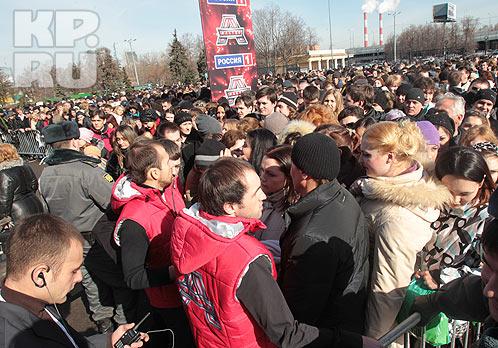 Первый день кастинга собрал толпы. Фото: Михаил ФРОЛОВ