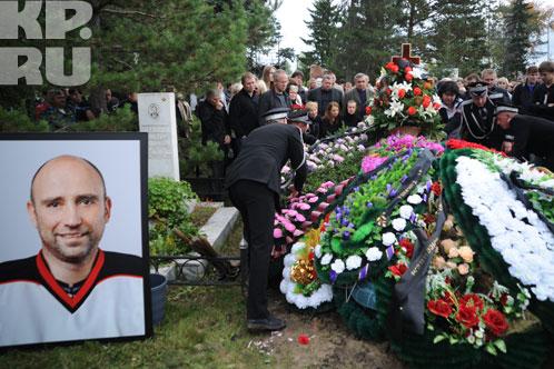 Александра похоронили на Старо-Северном кладбище Фото: Николай КРИВИЧ