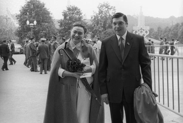 Редкий кадр (сделан 1 сентября 1978 года): Галина Брежнева, дочь генерального секретаря ЦК КПСС Л. И. Брежнева, и ее муж Юрий Чурбанов на отдыхе.