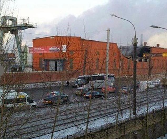 Один из осколков попал в Цинковый завод Челябинска. Разрушена часть стены здания