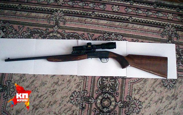 Как выяснилось, старшеклассник использовал при нападении 11-ти зарядный полуавтоматический карабин Browning