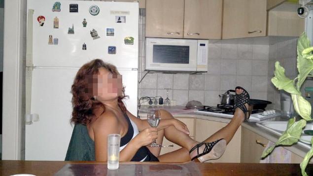После работы учитель расслаблялась как могла. Фото: Соцсети