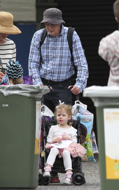 Отец Николь Кидман обожал своих внучек. Фото: SPLASH NEWS