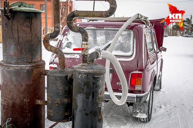 Газогенератор собрали, в основном, из деталей старого ЗИЛа Фото: Андрей КУТУЗОВ