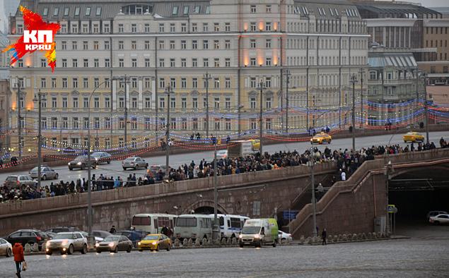 лестница Москворецкого моста с которой стрелял убийца Фото: Александр БОЙКО